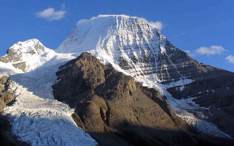 Mount Robson (3,954 m (12,972 ft)) is the highest peak in the Canadian Rockies