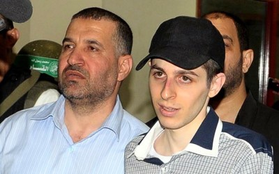 Ahmed al-Jaabari with Gilad Shalit