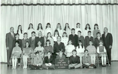 Gershon Baskin (sitting in front row, second from right) in his 6th Grade photo at the Shore Road Elementary Bellmore, LI (South Shore). His teacher is Gerald Thompson.