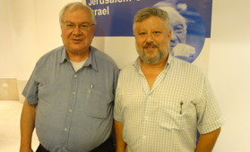 Gershon Baskin (r.) and Hanna Siniora (l.) at a conference jointly sponsored by IPCRI and KAS Israel