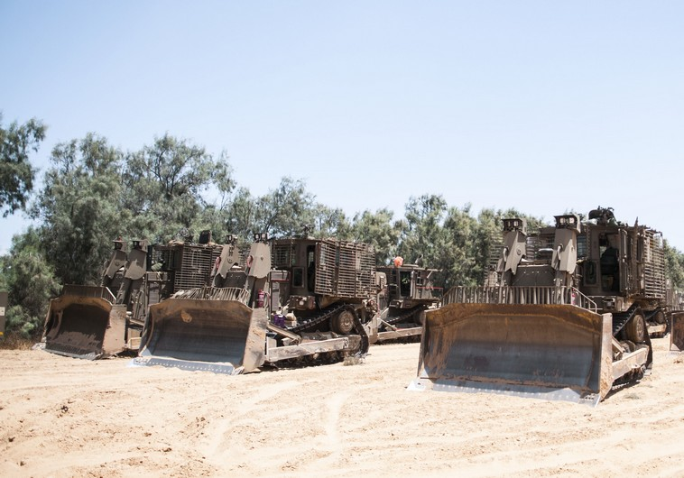 IDF near Gaza strip. (photo credit:IDF SPOKESMAN'S OFFICE)