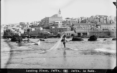 A view from the sea at Jaffa looking east onto the city, 1914. (Matson Collection)