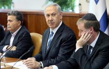 Prime Minister Binyamin Netanyahu speaks to the cabinet, April 6, 2014. Photo: AMIT SHABAY/POOL