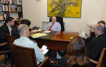 Ariel Sharon meets with his advisers at his Jerusalem residence, December 21, 2005. Photo: ISRAEL OUT REUTERS/Avi Ohayon/GPO